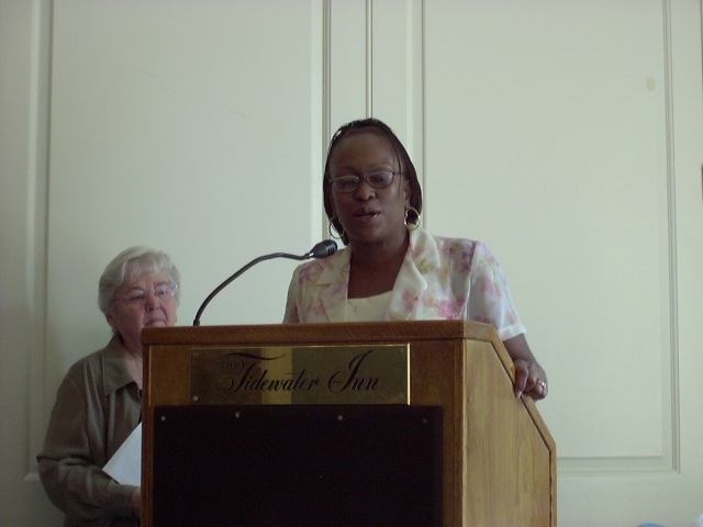 Janice Hayes-Williams accepting the Periwinkle Award